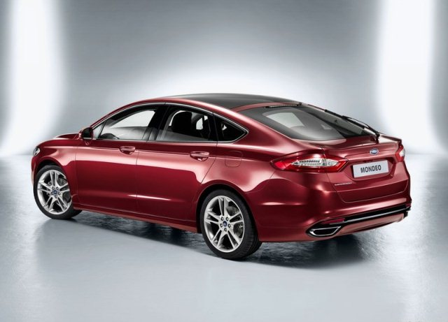 2013_FORD_MONDEO_Hatchback_rear-pic