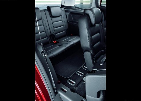 2013 VW TOURAN backseats pic 2013 VW TOURAN
