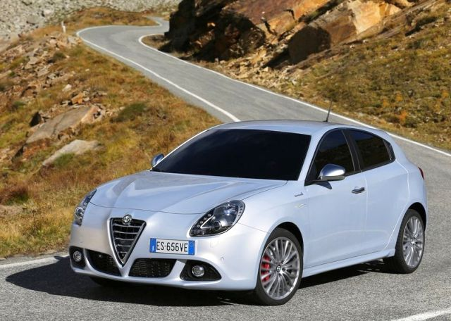 2014 new alfa romeo giulietta oopscars. Black Bedroom Furniture Sets. Home Design Ideas