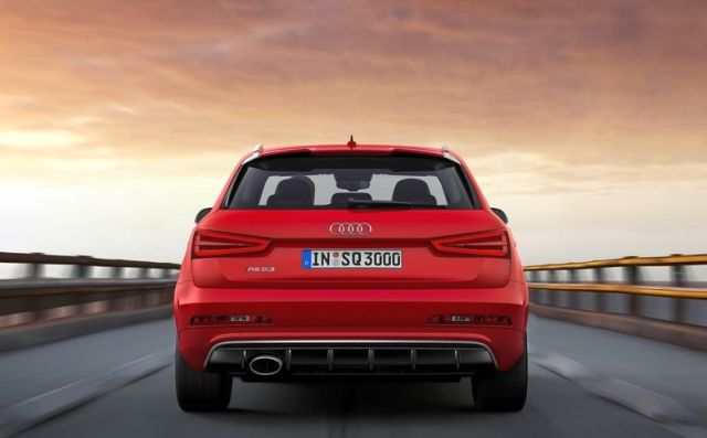 2014_AUDI_RS_Q3_Suv_RED_Rear_pic-2