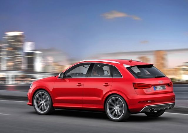 2014_AUDI_RS_Q3_Suv_RED_rear_pic-4