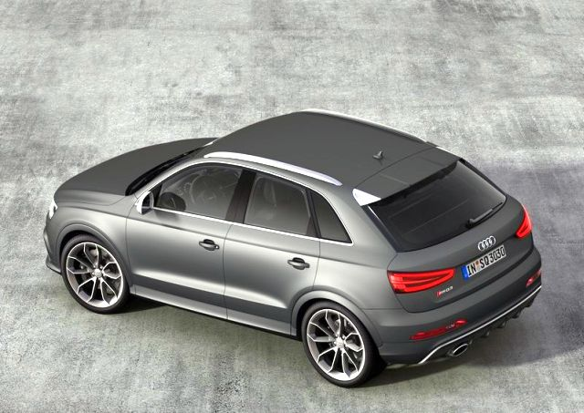 2014_Audi_RS_Q3_airview_rear_pic-10