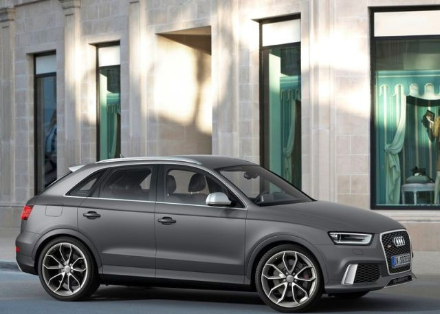 2014_Audi_RS_Q3_matte_gray_pic-1
