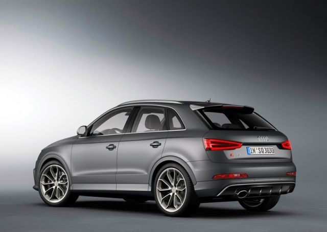 2014_Audi_RS_Q3_rear_pic-13