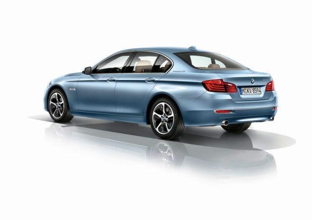 2014_BMW_5_ActiveHybrid_rear_pic-2