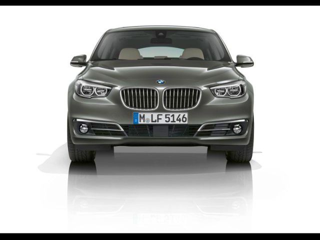 2014_BMW_5_SERIES_GT_front_pic-3