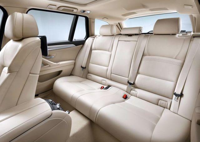 2014_BMW_5_SERIES_TOURING_brown_rear_seats-pic-18