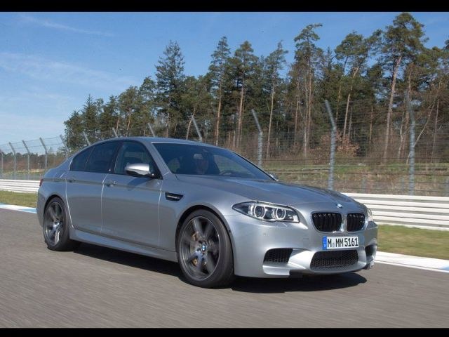 2014_BMW_M5_Restyle_Silver_Color_pic-4