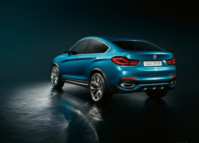2014_BMW_X4_SUV_rear_pic-3