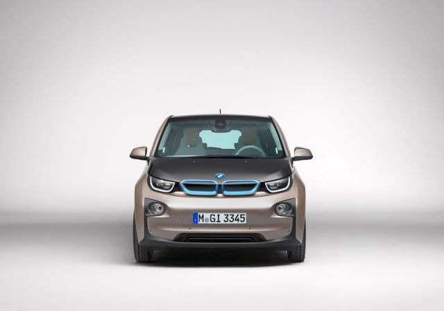 2014_BMW_i3_front_pic-3