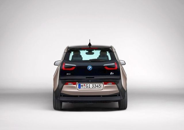 2014_BMW_i3_front_pic-4