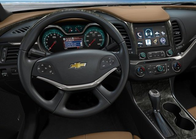 2014_CHEVROLET_Impala_dashboard_pic-7