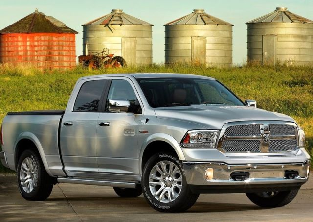 2014_DODGE_RAM_1500_front_pic-4