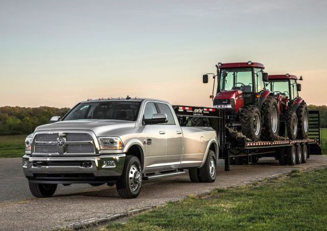 2014_DODGE_RAM_HEAVY_DUTY_front_pic-2