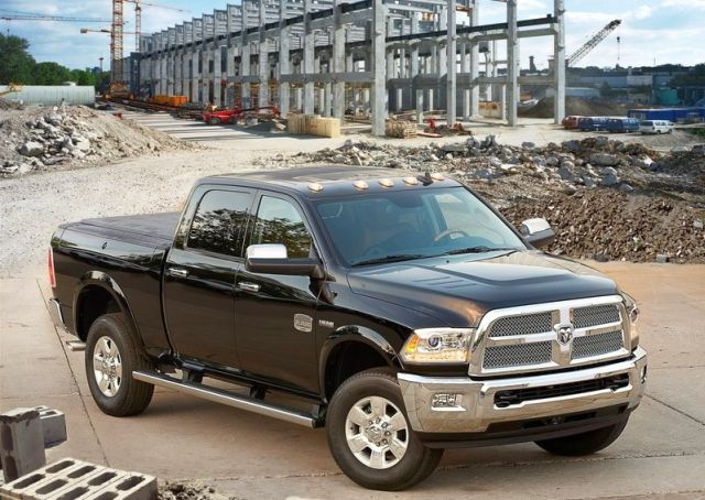 2014_DODGE_RAM_HEAVY_DUTY_front_pic-3