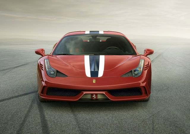 2014_FERRARI_SPECIALE_Red_front_pic-2