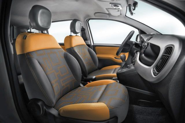 2014 FIAT PANDA 4X4 interior pic 5 2014 FIAT PANDA 4X4 SUV