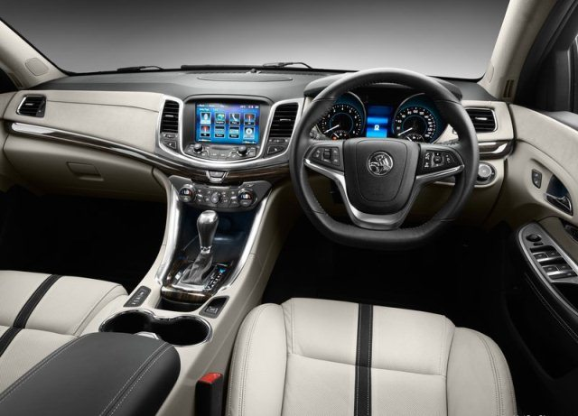 2014_HOLDEN_VF_COMMODORE_CALAIS_V_interior_pics-3
