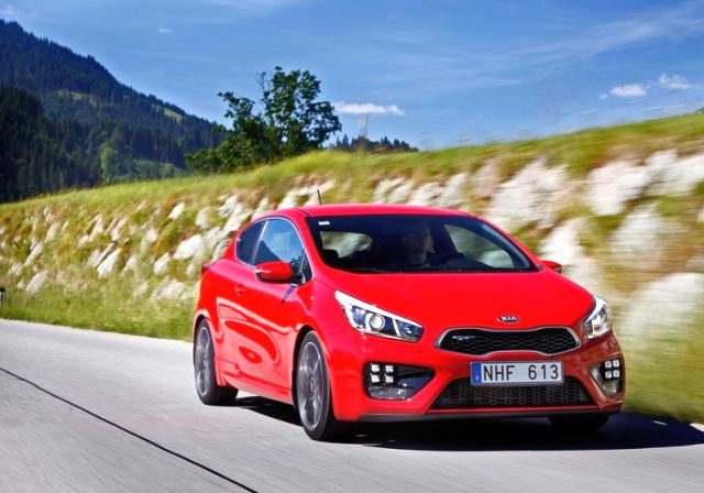 2014_KIA_PRO_CEED_GT_red_front_pic-11