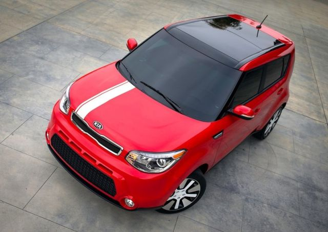 2014_KIA_SOUL_front_red_pic-4