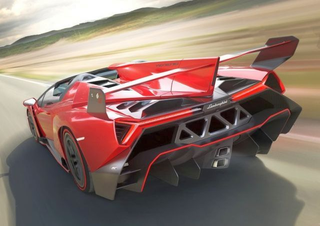 2014_LAMBORGHINI_VENENO_Roadster_RED_rear_pic-3