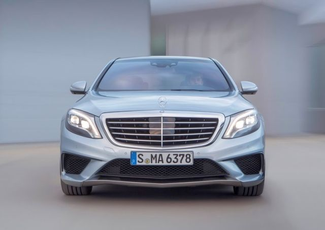 2014_MERCEDES_S63_AMG_front_pic-2