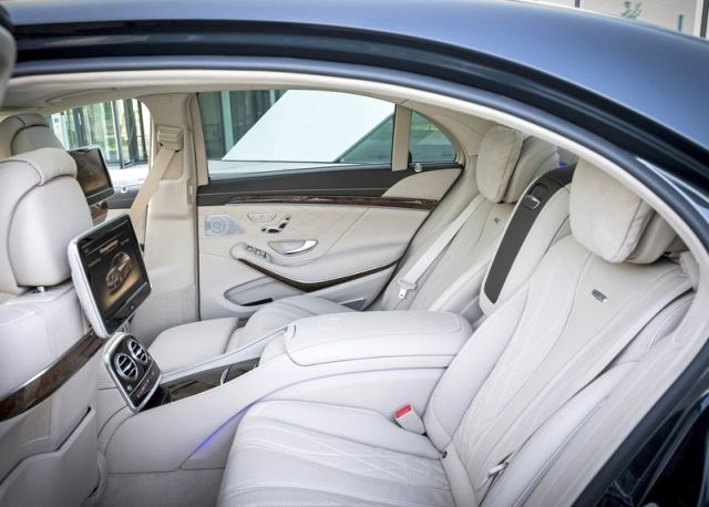 2014_MERCEDES_S65_AMG_seats_pic-8