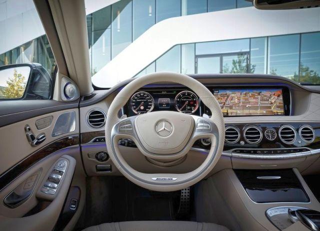 2014_MERCEDES_S65_AMG_steeringwheel_pic-5
