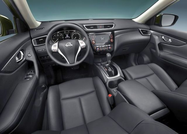 2014_NISSAN_X-TRAIL_black_leather_interior_pic-7