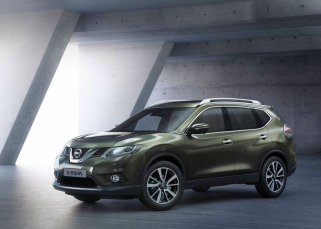 2014_NISSAN_X-TRAIL_front_pic-5