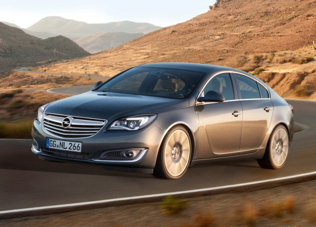 2014_OPEL_INSIGNIA_Restyle_front_pic-1