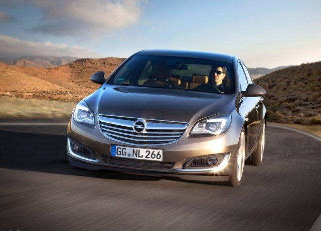 2014_OPEL_INSIGNIA_Restyle_front_pic-2
