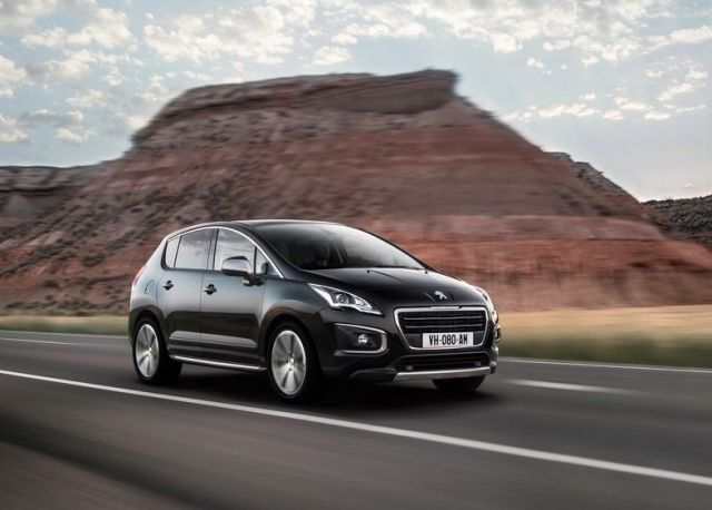 2014_PEUGEOT_3008_Restyle_Black_front_pic-3