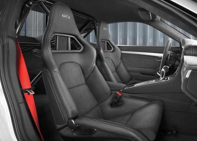 2014_Red_PORSCHE_911_GT3_Seats_pic-11