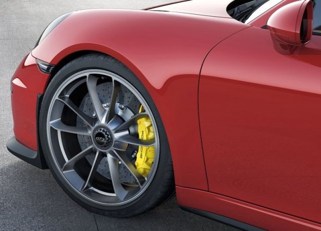 2014_Red_PORSCHE_911_GT3_alloywheel_pic-7