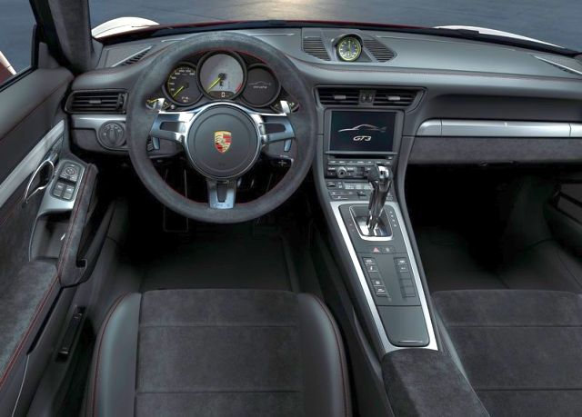 2014_Red_PORSCHE_911_GT3_dashboard_pic-8