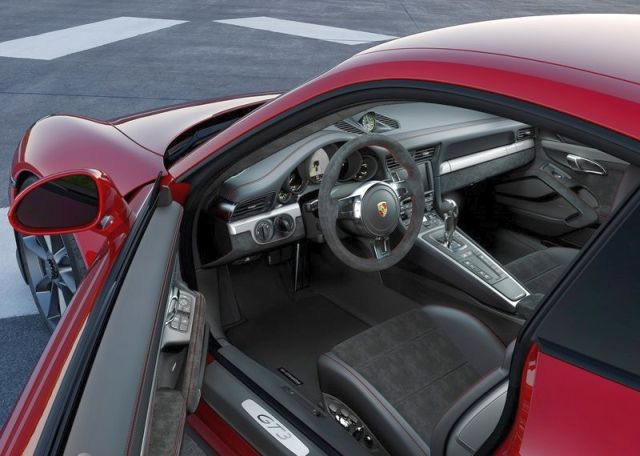2014_Red_PORSCHE_911_GT3_interior_pic-10