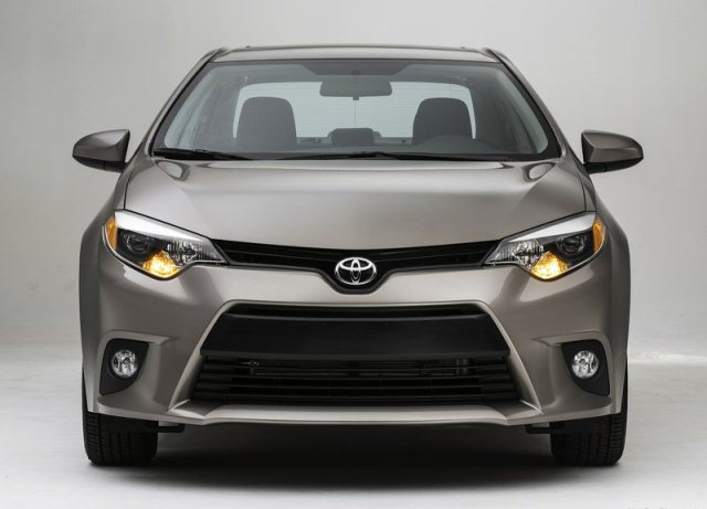 2014_TOYOTA_COROLLA_ front_pic-2