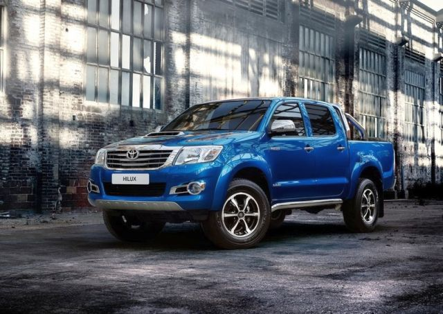 2014 TOYOTA HILUX INVINCIBLE PICK-UP