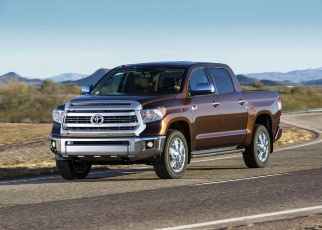 2014_TOYOTA_TUNDRA_PICK-UP_Front_pic-2