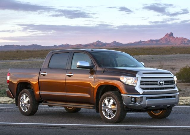 2014_TOYOTA_TUNDRA_PICK-UP_Front_pic-4