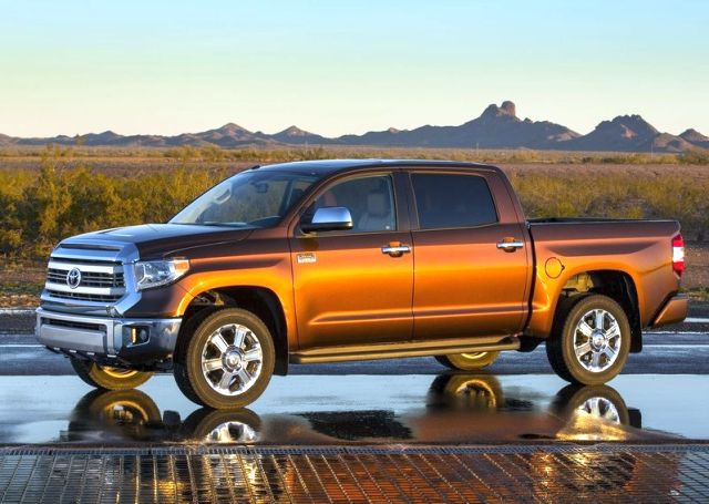 2014_TOYOTA_TUNDRA_PICK-UP_Front_pic-5