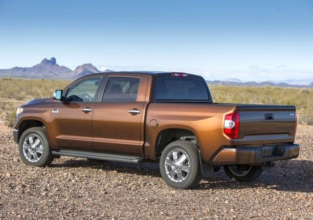 2014_TOYOTA_TUNDRA_PICK-UP_rear_pic-7