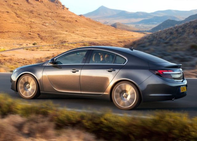 2014_VAUXHALL_INSIGNIA_Restyle_profile_pic-5