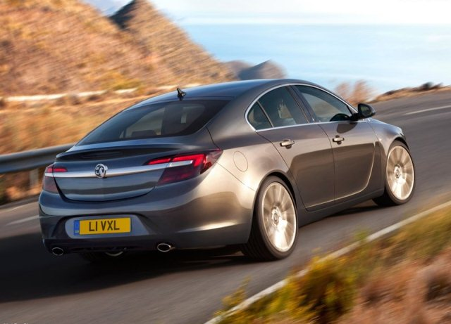 2014_VAUXHALL_INSIGNIA_Restyle_rear_pic-3