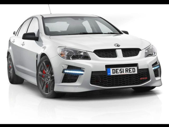 2014_VAUXHALL_VXR8_front_pic-1
