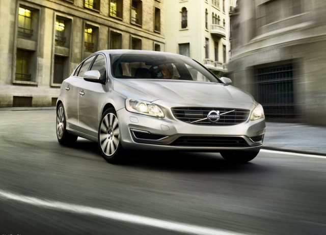 2014_VOLVO_S60_pic-4