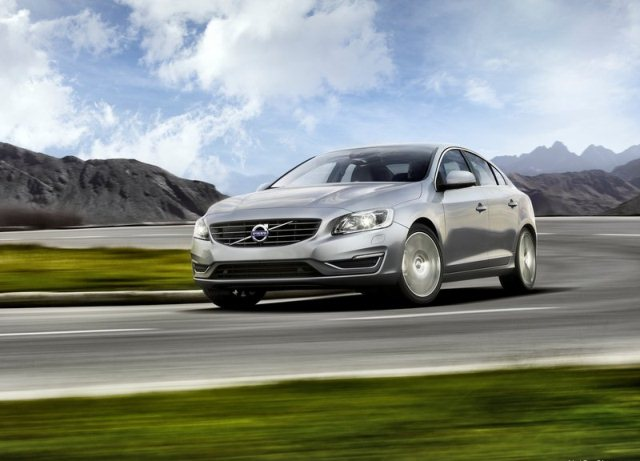2014_VOLVO_S60_pic-5