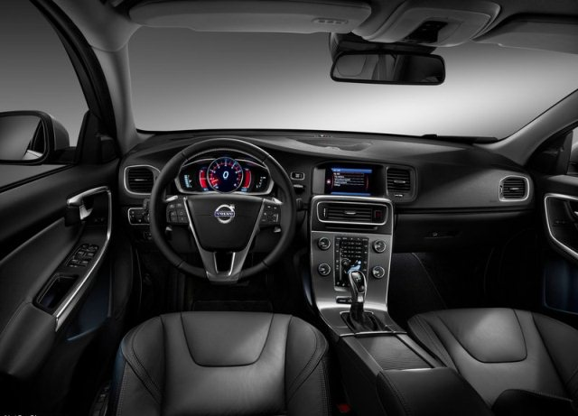 2014_VOLVO_S60_pic-8