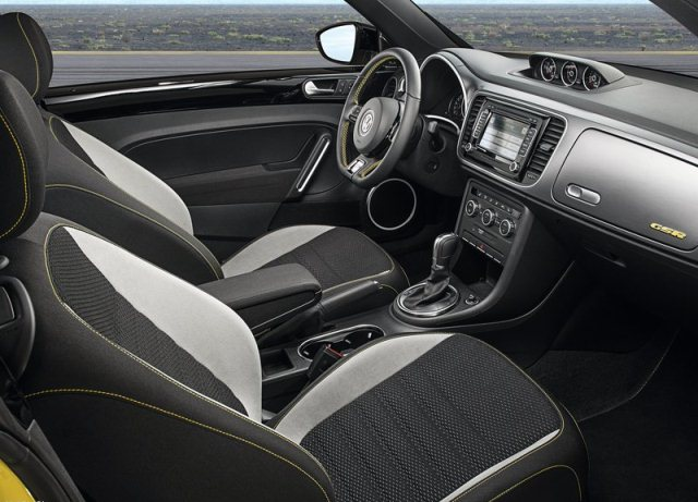 2014_VW_BEETLE_GSR_interior_pic-11